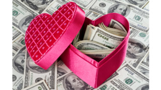Record Spending Expected for Valentine's Day 2015