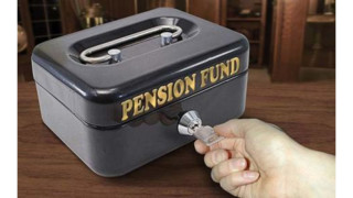 3 Pension Advance Traps that Retirees Need to Avoid