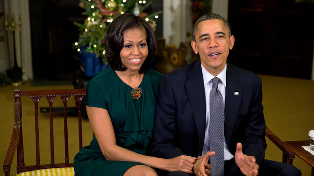 President-Barack-Obama-and-First-Lady-Michelle-Obama-say-Merry-Christmas11.jpg